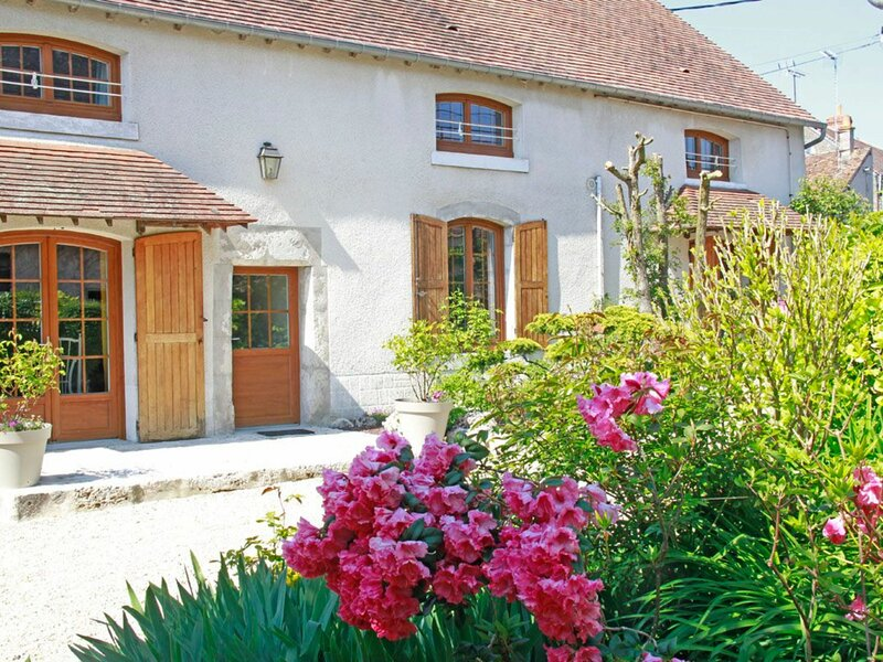 Les Eaux Bleues, holiday rental in Tavers