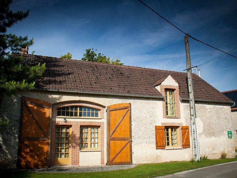 Location Gîte Treilles-en-Gâtinais, 5 pièces, 8 personnes, holiday rental in Beaune-la-Rolande