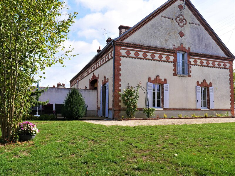 le faubourg Sully, holiday rental in Beaune-la-Rolande