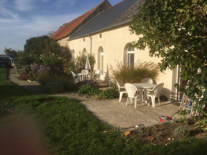 Location Gîte Ormes, 2 pièces, 2 personnes, vacation rental in Prenouvellon