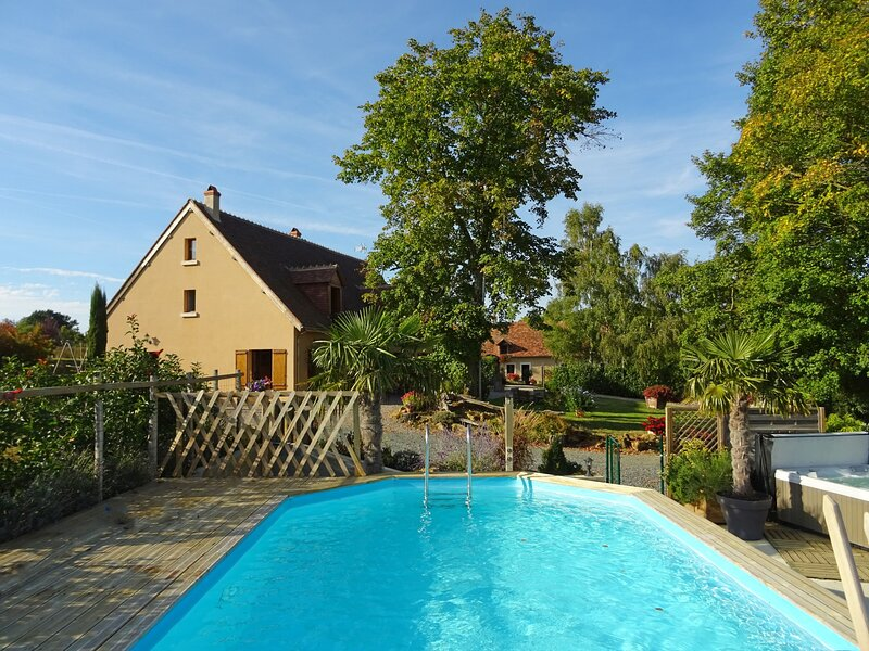 Le Beau de Varennes Rouge, holiday rental in Sarzay