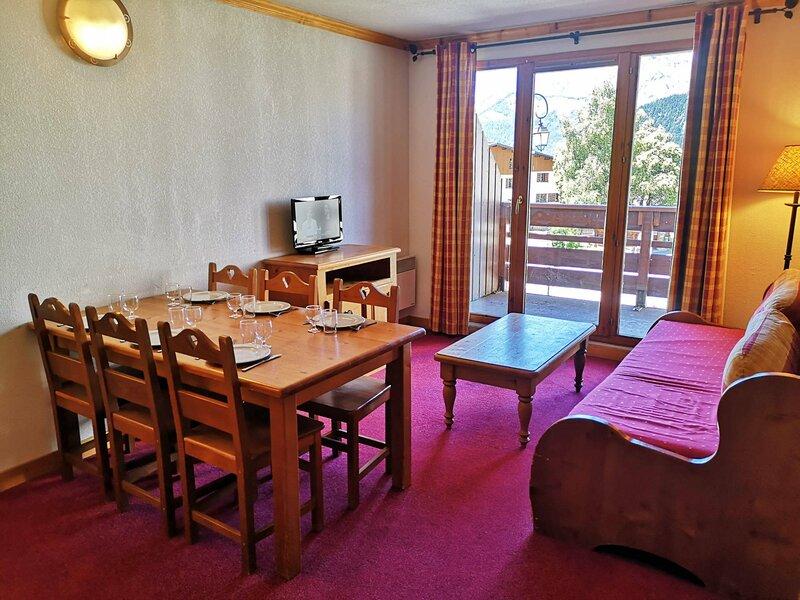 Charmante location à la semaine, plein centre village, holiday rental in Saint-Nicolas-la-Chapelle