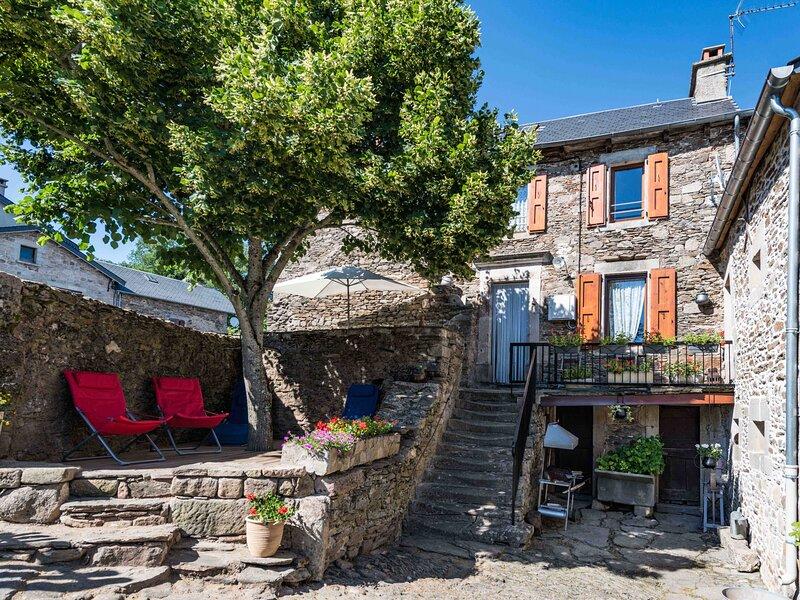 'chezfirmin', vacation rental in Saint-Victor-et-Melvieu