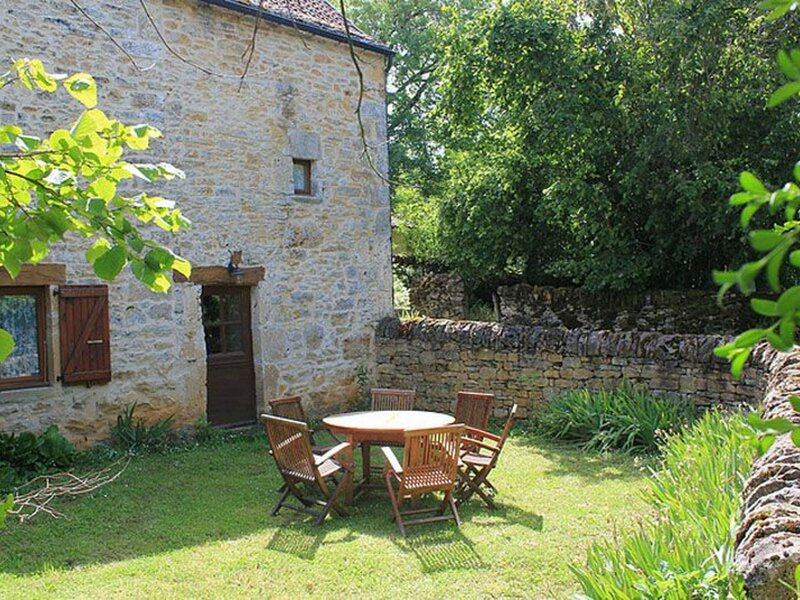 Le Cantou, holiday rental in Villeneuve d'Aveyron
