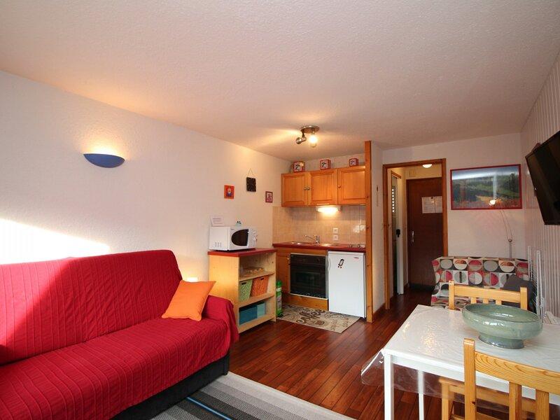 LE MONT DORE STUDIO AVEC BALCON / TERRASSE, holiday rental in Chambon-sur-Lac
