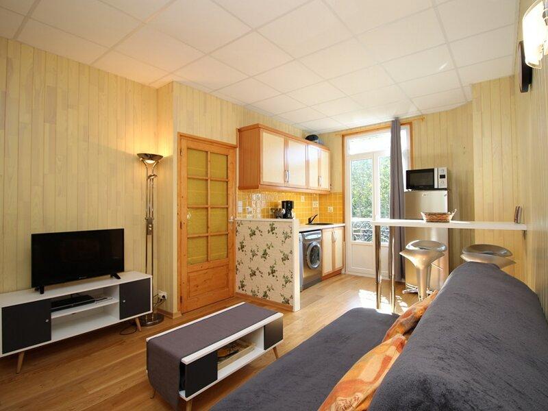 LA BOURBOULE CENTRE confortable appartement T2, Ferienwohnung in Saint-Sauves-d'Auvergne