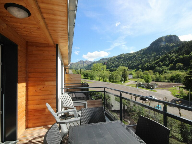 LE MONT DORE - 6 pers, 54 m2, 3/2, holiday rental in Chambon-sur-Lac