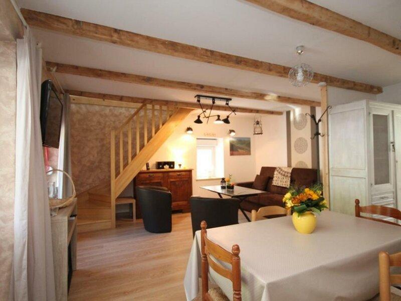 LE MONT DORE - Maison avec WIFI à 1,5 km du centre ville, location de vacances à Rochefort-Montagne