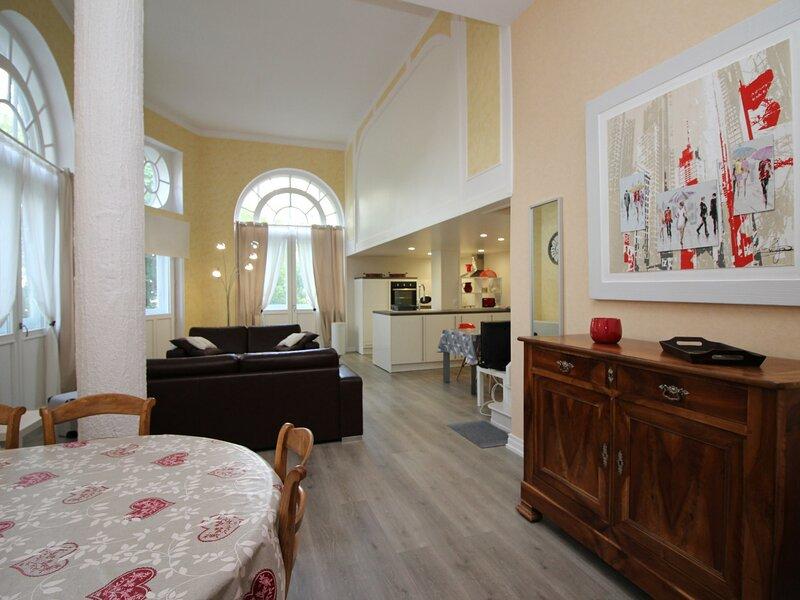 LA BOURBOULE CENTRE - Appartement T2 en rez-de-chaussée avec WIFI, Ferienwohnung in Saint-Sauves-d'Auvergne