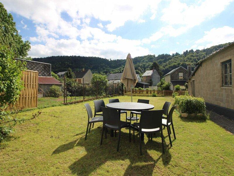 Le Mont Dore, bel appartement 3 pièces, jardin, location de vacances à Rochefort-Montagne