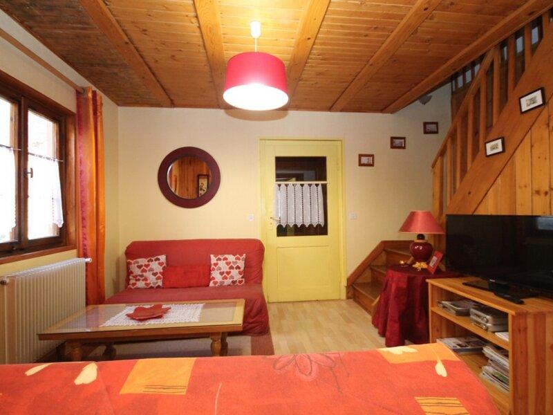 LE MONT DORE CHALET A 300M DU CENTRE, holiday rental in Chambon-sur-Lac