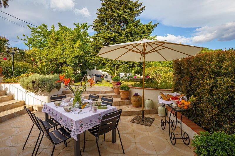 Villa Roma - Sublime villa avec grand jardin, location de vacances à Ghisoni