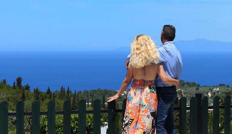 Charming villa Evelyn close to Kathisma and Mylos beach, holiday rental in Tsoukaladhes