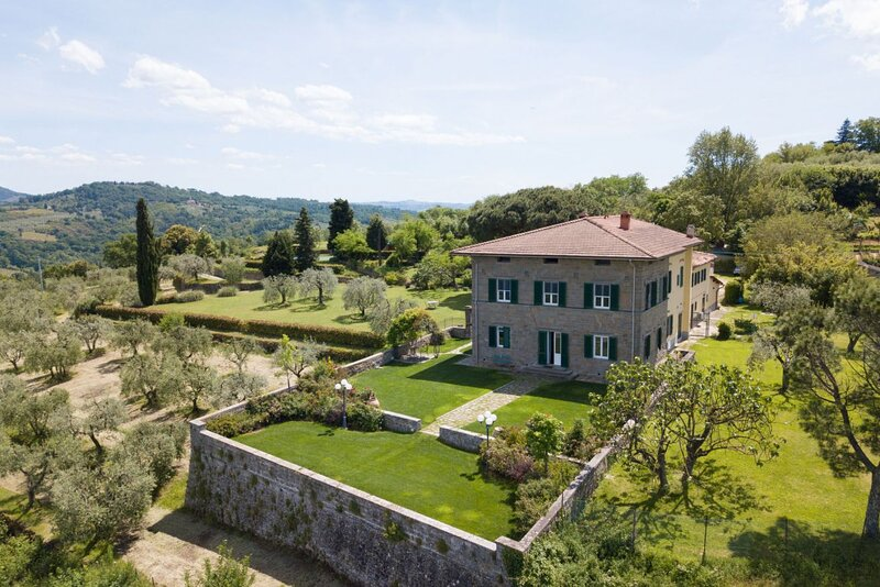Villa Colomba - Historic villa with pool and panoramic view over Florence and it, holiday rental in Poggio alla Malva