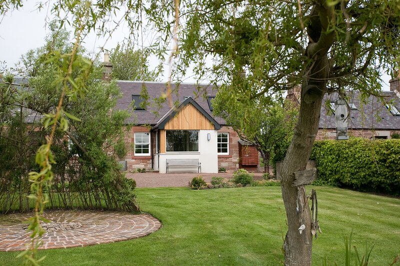 Stravaig Cottage Carfrae Farm, holiday rental in Oxton