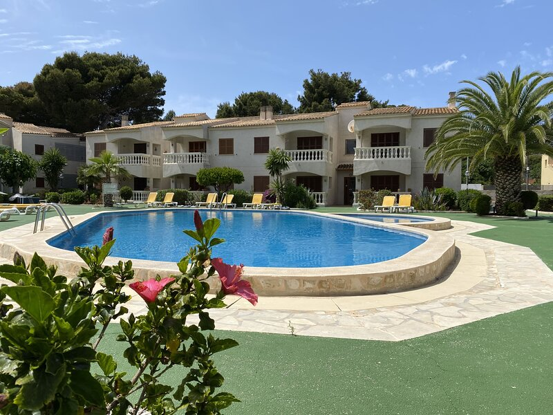 Cala Ratjada - Apt Camelia , Super Holiday Apartment, great location & amenities, location de vacances à Cala Ratjada