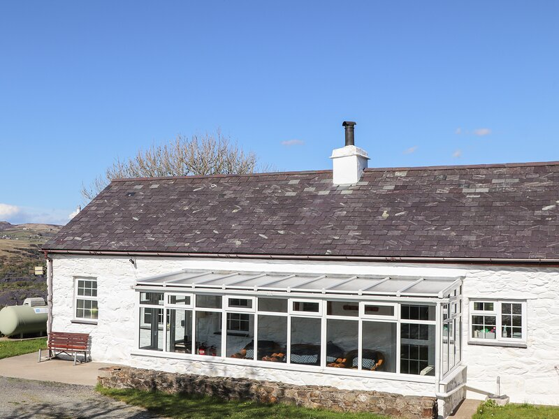 Fron Oleu, Penygroes, vacation rental in Llanllyfni