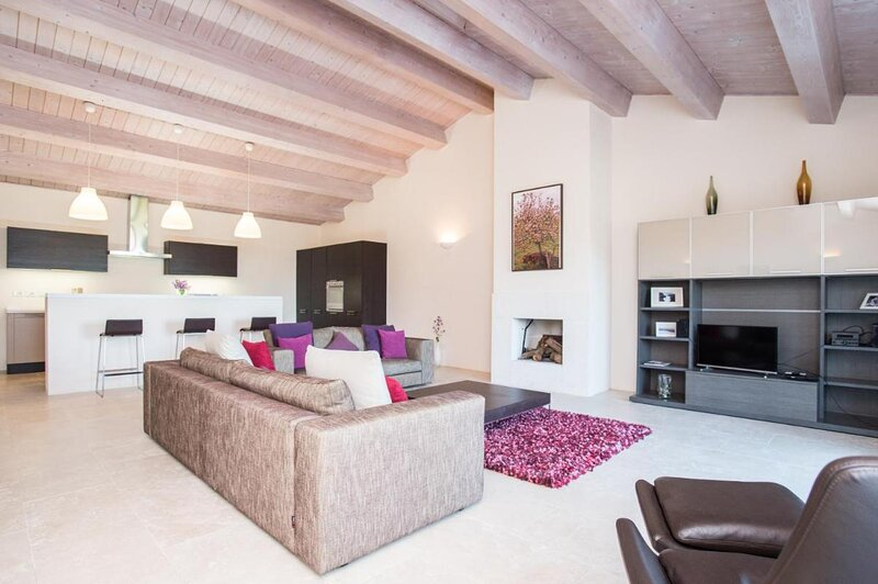 Villa Aquila su due piani - Cignella Resort Toscana, casa vacanza a Petroio