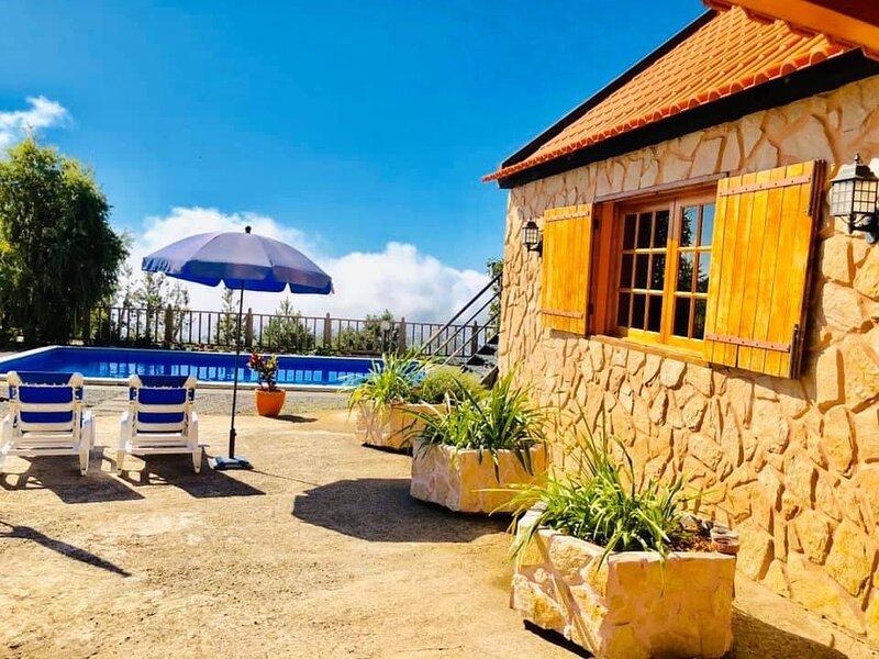 Mountain Villa with ocean view, location de vacances à Ribeira Brava