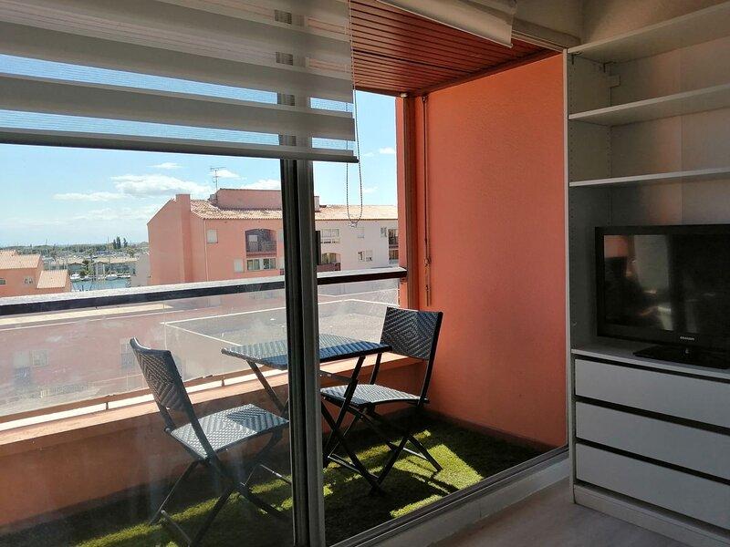 Studio Apartment / Centre Port, holiday rental in Cap-d'Agde