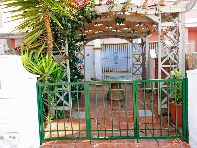 Casa Nidal 2-Bed House in San Juan de los Terreros, alquiler de vacaciones en San Juan de los Terreros
