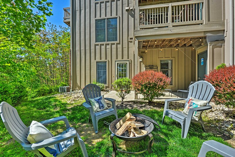 'Slopeside Serenity' Fall Escape w/ Patio & BBQ!, holiday rental in Mercersburg