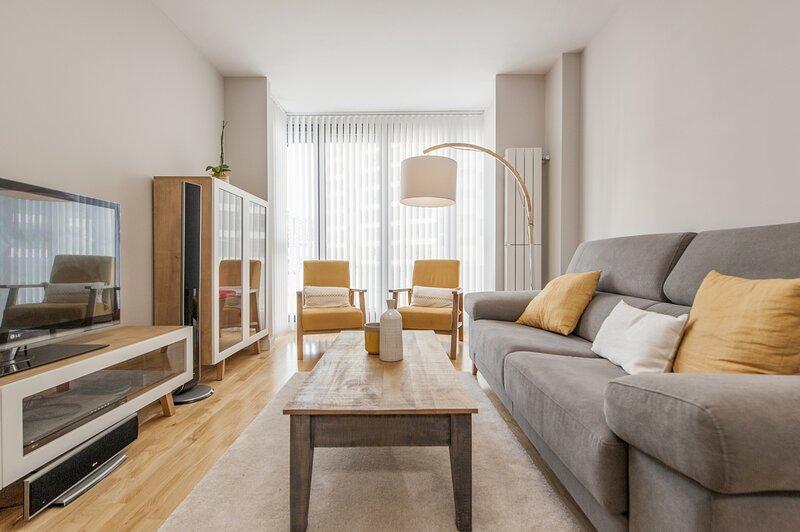EXCLUSIVE MADRID RIO PARK - MATADERO, holiday rental in Leganes