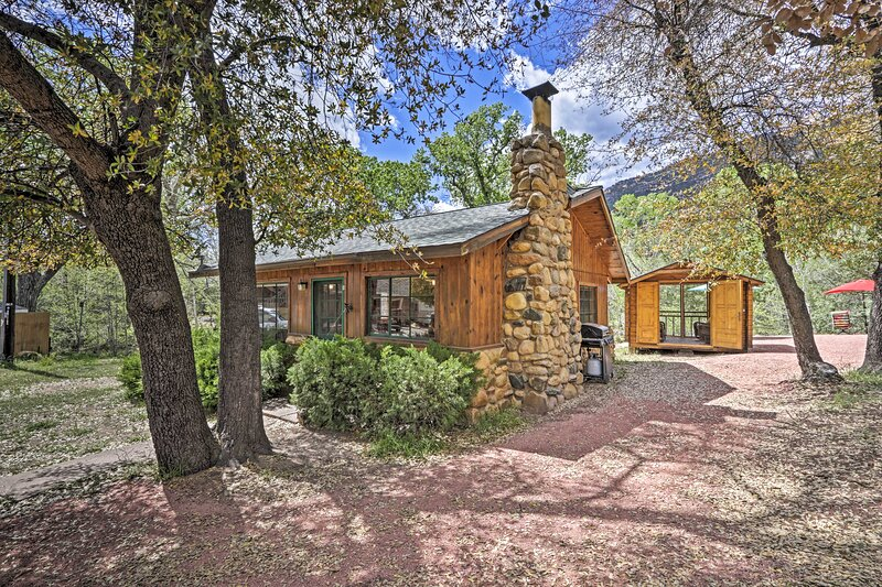 NEW! Tonto Nat'l Forest Riverside Cabin!, holiday rental in Star Valley
