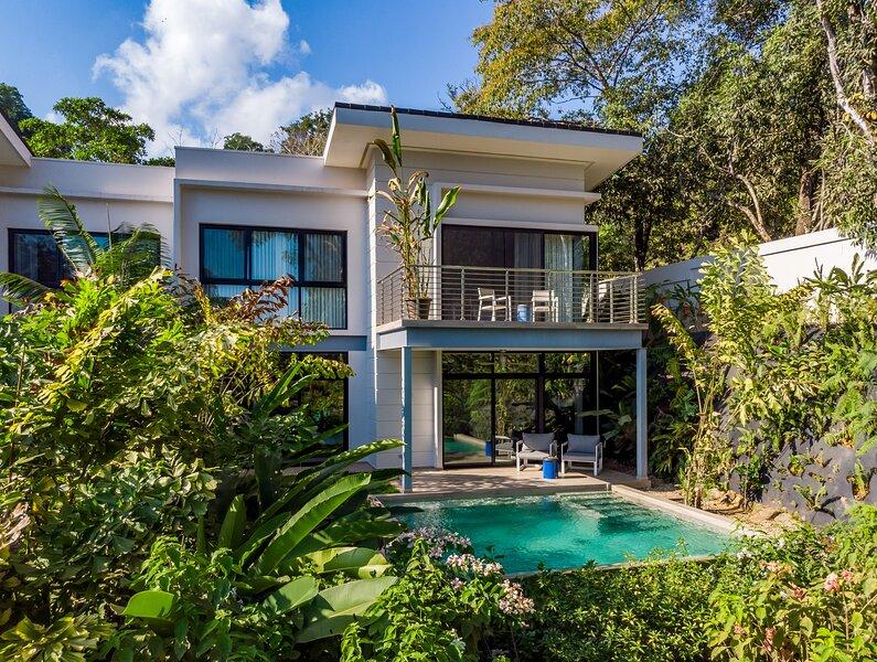 Terraces at San Martin - Deluxe 3 Bedroom Villa, Ocean View and Private Pool, alquiler de vacaciones en Ballena