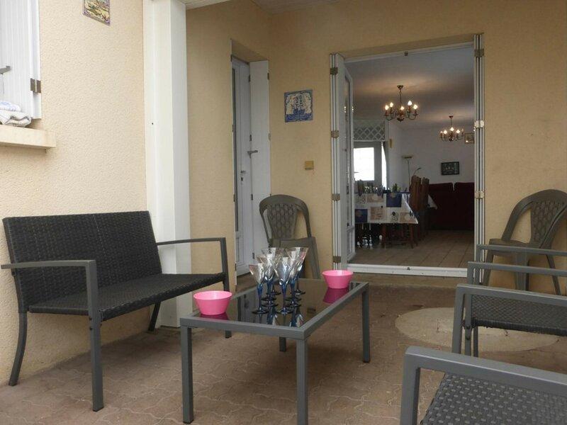 Mais 4 pièces 8 couchages SAINT GILLES CROIX DE VIE, holiday rental in Le Fenouiller