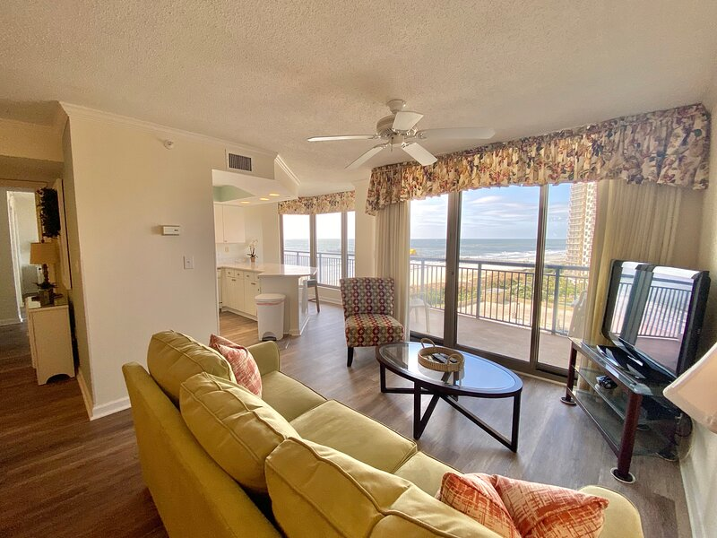 2 BR Luxury Condo for Golf Enthusts & Beach Lovers, holiday rental in Myrtle Beach