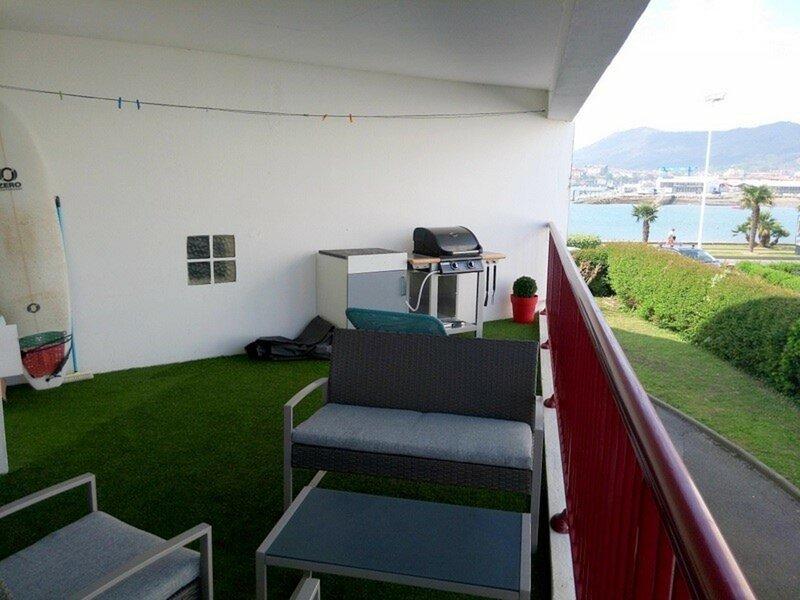 Appartement cosy face à la promenade de la baie, alquiler vacacional en Hendaya