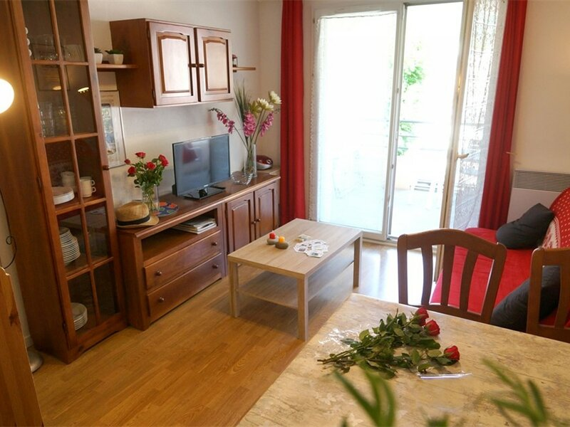 LUCHON PROCHE THERMES 2 CHAMBRES - BALCON - PARKING - WIFI, holiday rental in Saint-Mamet