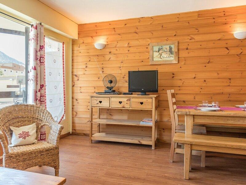 Location studio montagne  4 personnes . Montgenèvre, holiday rental in Cesana Torinese