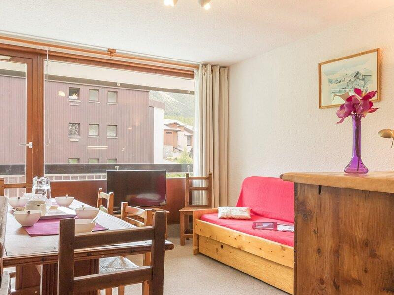 Location appartement de vacances Hautes-Alpes  6 Pax. Montgenèvre, vacation rental in Cervieres