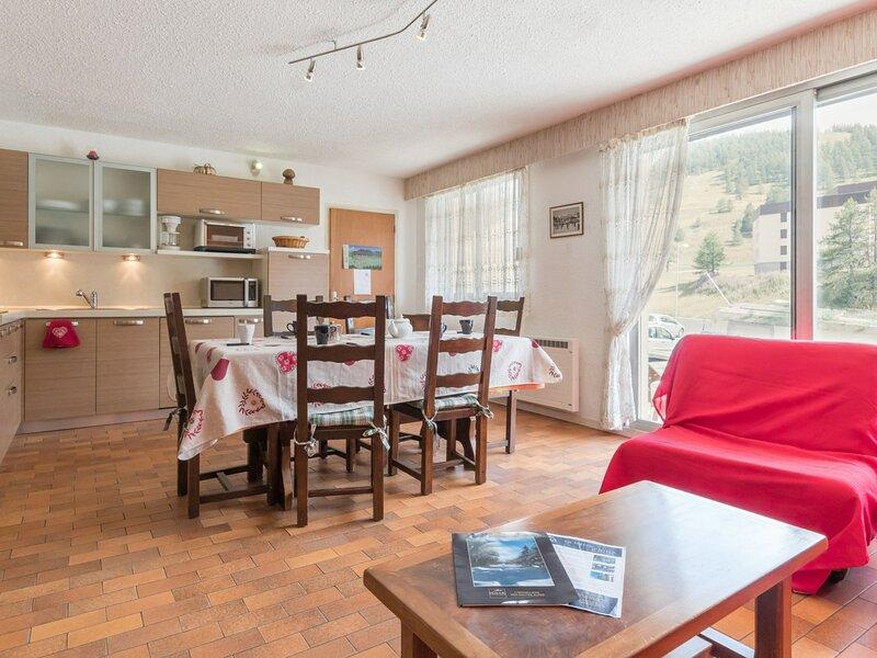 Bas de chalet Hautes-Alpes 6 Pax. Montgenèvre., vacation rental in Cervieres