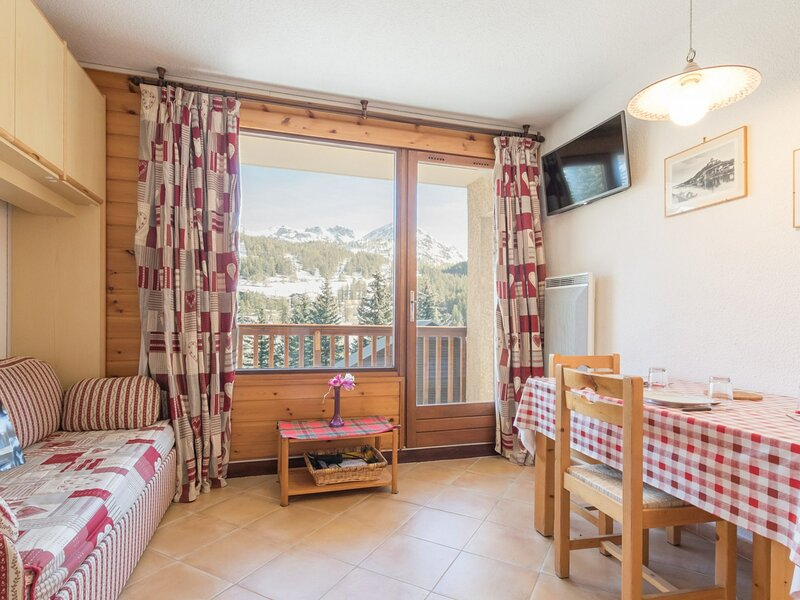 Logement Hautes-Alpes 3 Pax. Montgenèvre., holiday rental in Val-des-Pres