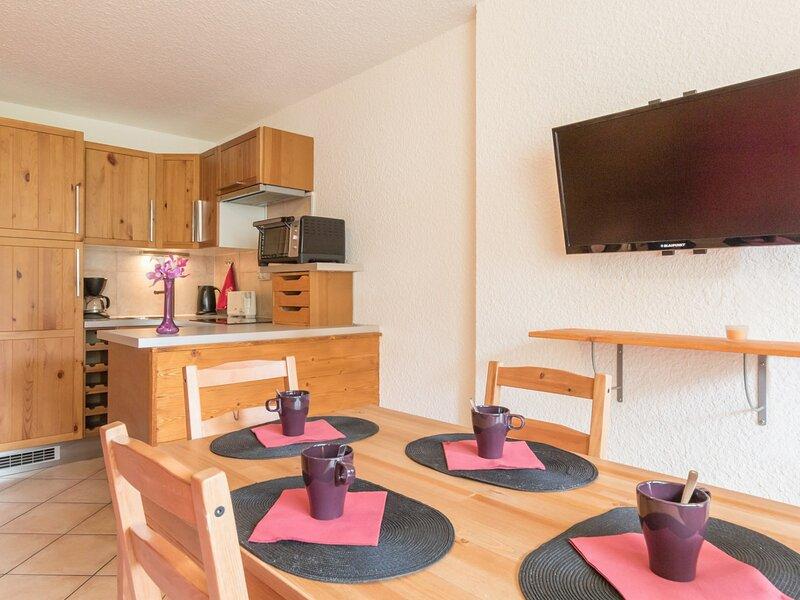 Appartement de vacances Hautes-Alpes 4 Couchages. Montgenèvre, vacation rental in Cervieres
