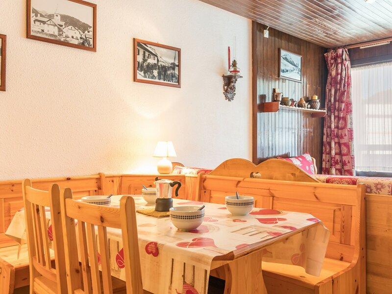 Location à la montagne 6 Couchages. Montgenèvre, holiday rental in Cesana Torinese
