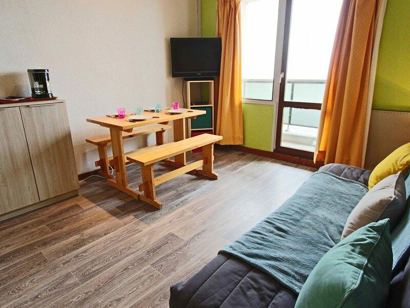 Lumineux studio cabine de 21 m² entièrement rénové., holiday rental in Uriage les Bains