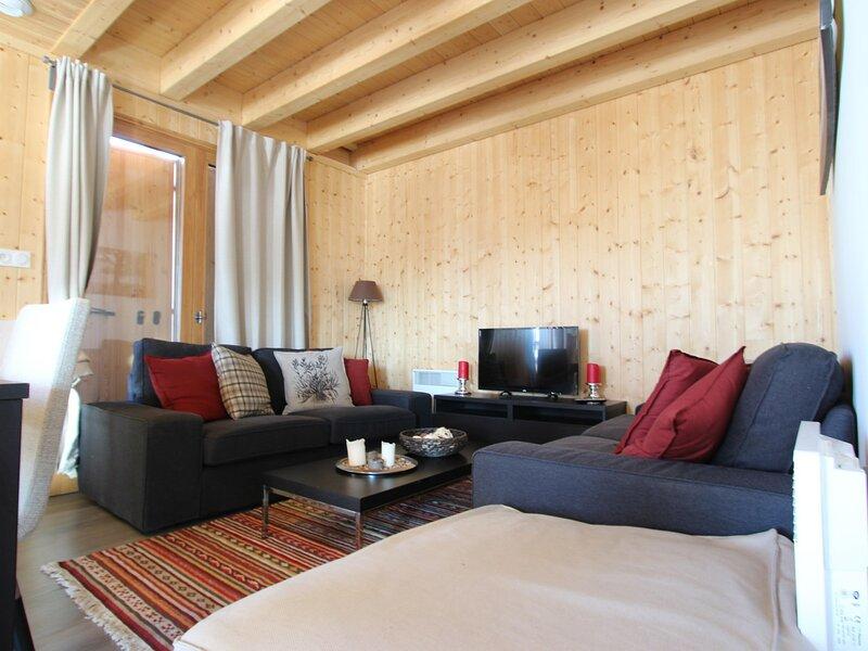 Chalet 8 places sur trois niveaux, holiday rental in Chamrousse