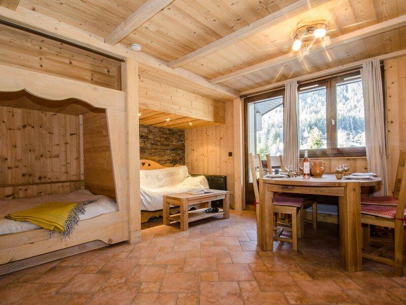 Ambiance montagne pour ce studio situé aux Praz de Chamonix, alquiler vacacional en Les Praz-de-Chamonix