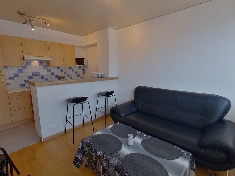 REF 173 - LORIENT 2 couchages - Hyper centre ville, holiday rental in Lorient