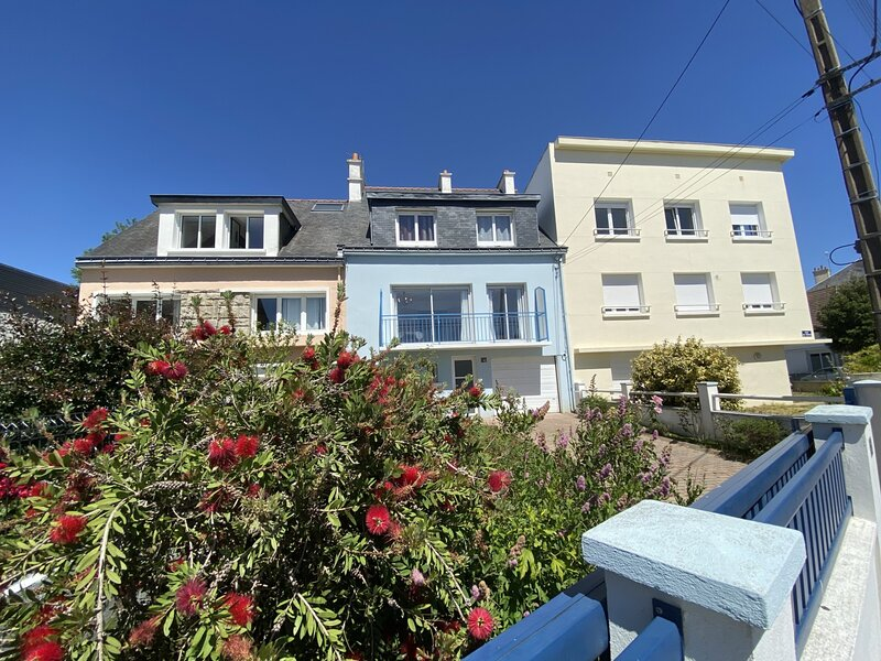 REF 497 MAISON DE VILLE AVEC JARDIN 5 CHAMBRES - 10 COUCHAGES, holiday rental in Lorient