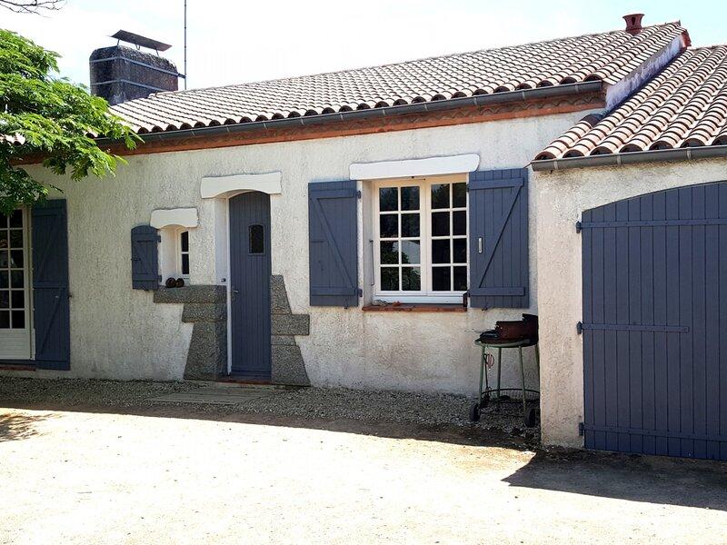 Maison individuelle T4, dans quartier des Courlis., holiday rental in Saint-Hilaire-la-Foret