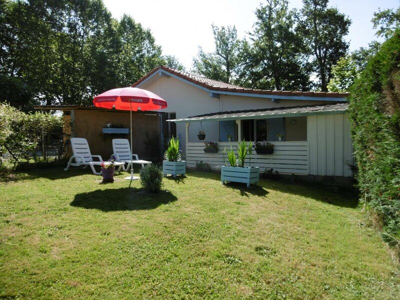 Le lanot, holiday rental in Lahosse