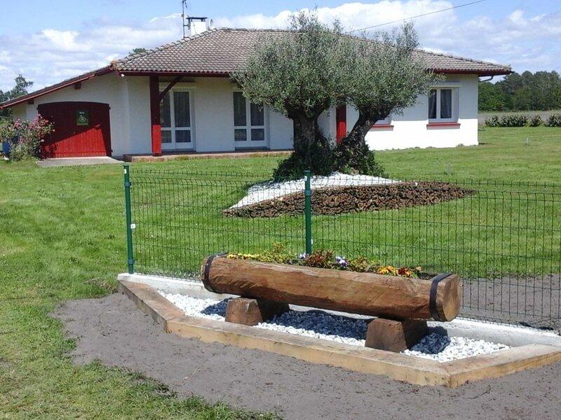 Jouanon, holiday rental in Bias