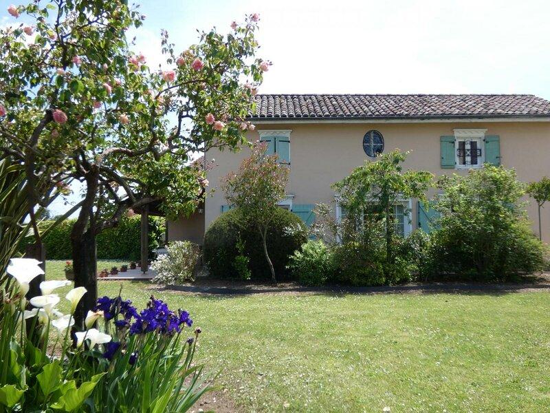 LE MANOIR DE BELLEGARDE, holiday rental in Bonnut