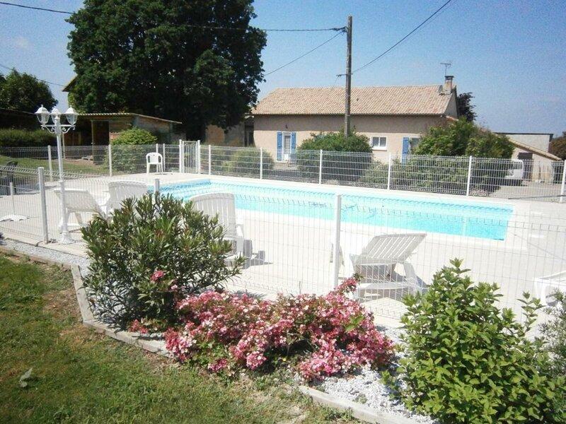 Location Gîte Saint-Sever, 3 pièces, 5 personnes, holiday rental in Hagetmau