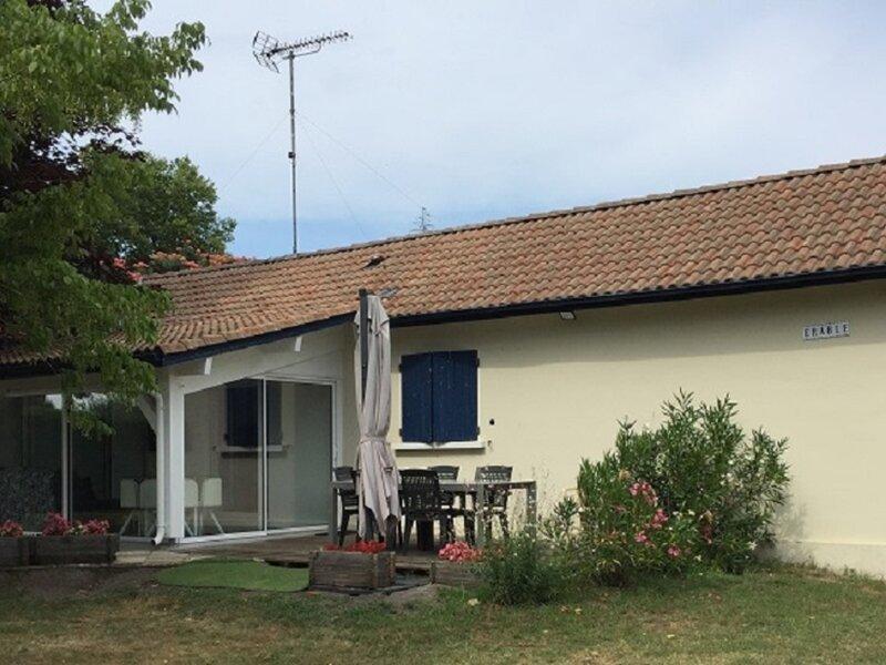 Location Gîte Sainte-Eulalie-en-Born, 3 pièces, 4 personnes, holiday rental in Pontenx-les-Forges